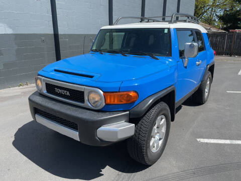 2007 Toyota FJ Cruiser for sale at APX Auto Brokers in Lynnwood WA
