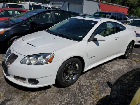 2009 Pontiac G6 for sale at Best Deal Motors in Saint Charles MO