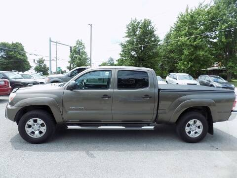 2013 Toyota Tacoma for sale at SUMMIT TRUCK & AUTO INC in Akron NY