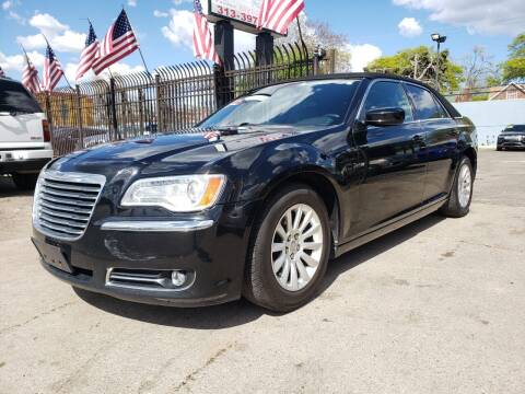2013 Chrysler 300 for sale at Gus's Used Auto Sales in Detroit MI