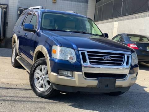 2007 Ford Explorer for sale at Illinois Auto Sales in Paterson NJ