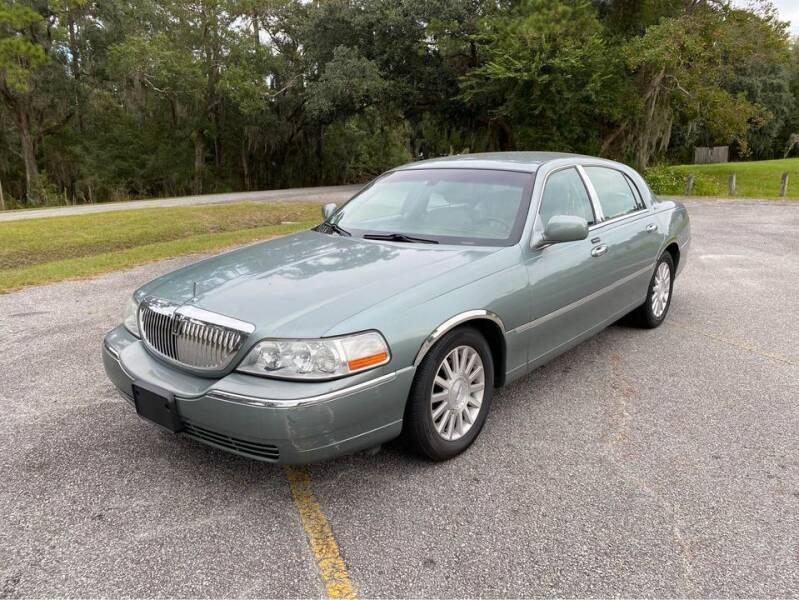 2004 Lincoln Town Car for sale at DRIVELINE in Savannah GA