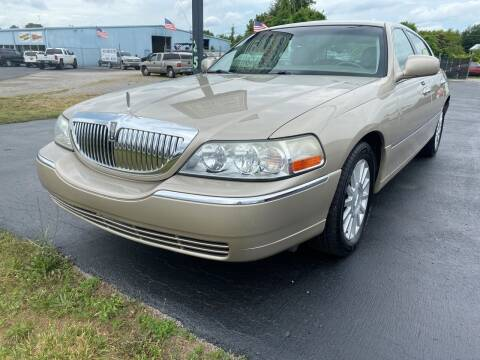 2004 Lincoln Town Car for sale at Holland Auto Sales and Service, LLC in Somerset KY
