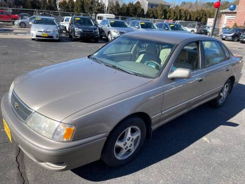 1998 Toyota Avalon for sale at KINGSTON AUTO SALES in Wakefield RI