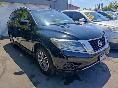 2014 Nissan Pathfinder for sale at Rey's Auto Sales in Stockton CA