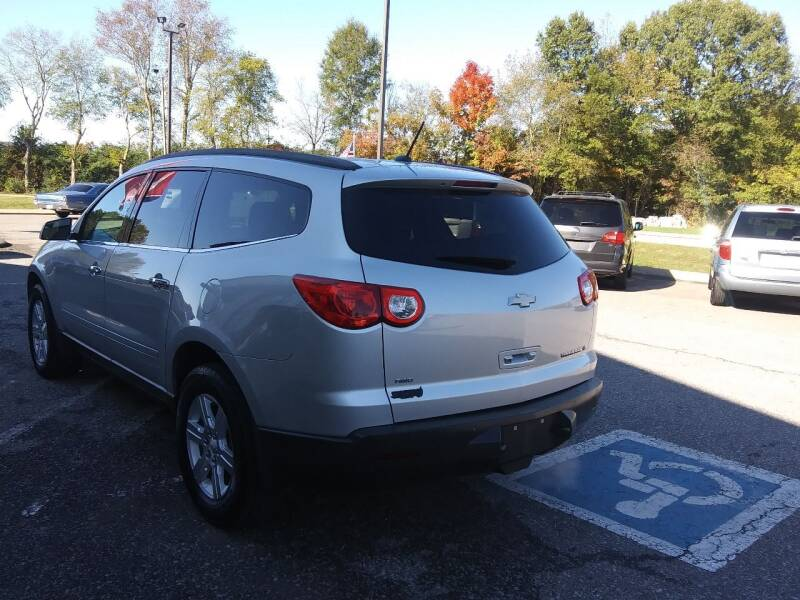 2011 Chevrolet Traverse AWD LT 4dr SUV w/1LT - Pleasant View TN