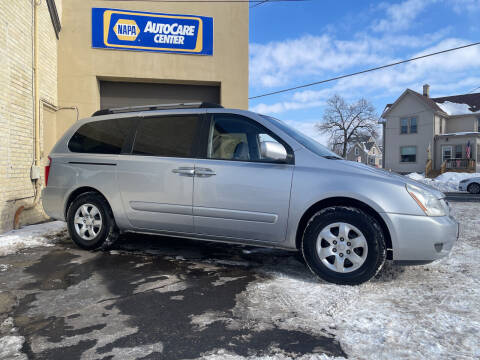 2007 Kia Sedona for sale at Strong Automotive in Watertown WI