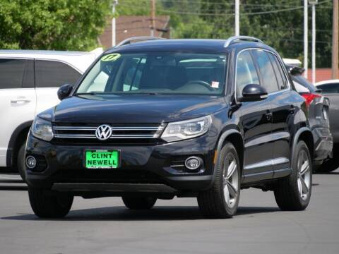 2017 Volkswagen Tiguan for sale at CLINT NEWELL USED CARS in Roseburg OR
