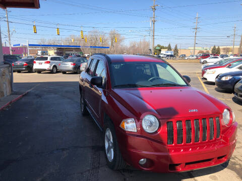 2009 Jeep Compass for sale at Drive Max Auto Sales in Warren MI