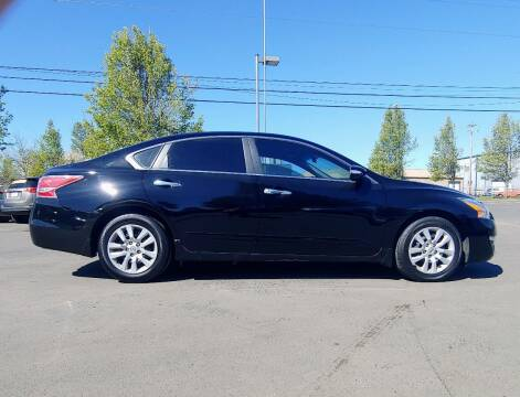 2015 Nissan Altima for sale at M AND S CAR SALES LLC in Independence OR