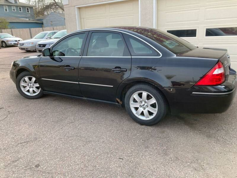 2005 Ford Five Hundred for sale at Imperial Group in Sioux Falls SD