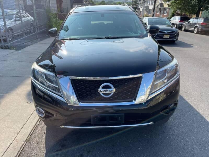 2014 Nissan Pathfinder for sale at Best Cars R Us LLC in Irvington NJ