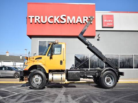 2007 International WorkStar 7400 for sale at Trucksmart Isuzu in Morrisville PA