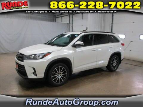 2018 Toyota Highlander for sale at Runde Chevrolet in East Dubuque IL