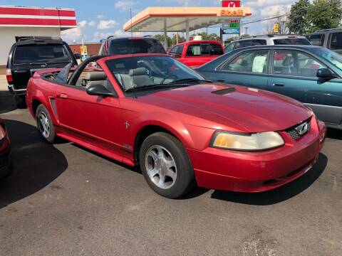 2000 Ford Mustang for sale at Wise Investments Auto Sales in Sellersburg IN