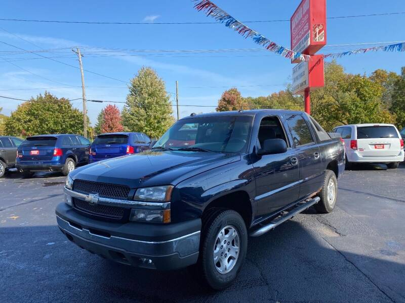 2004 Chevrolet Avalanche for sale at Parkside Auto Sales & Service in Pekin IL