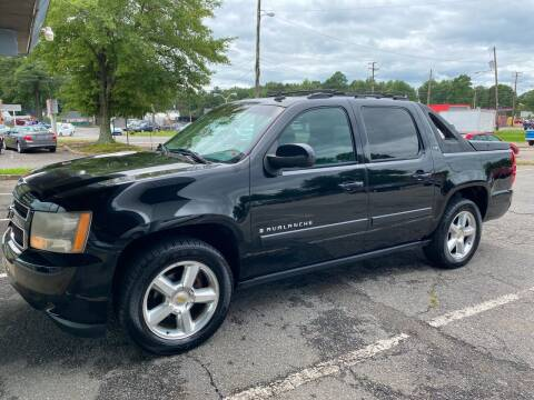 2007 Chevrolet Avalanche for sale at Carz Unlimited in Richmond VA