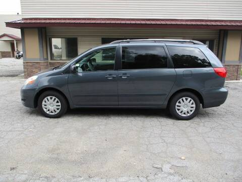 2006 Toyota Sienna for sale at Settle Auto Sales STATE RD. in Fort Wayne IN