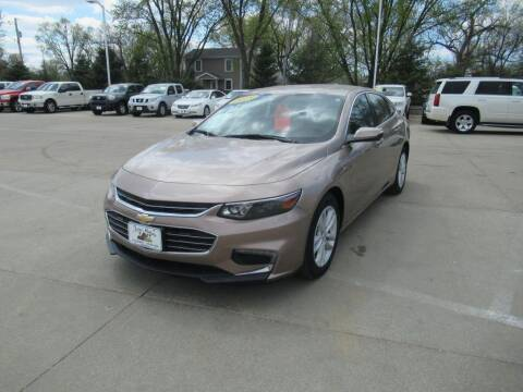 2018 Chevrolet Malibu for sale at Aztec Motors in Des Moines IA