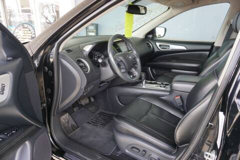 2017 Nissan Pathfinder for sale at Ideal Wheels in Sioux City IA