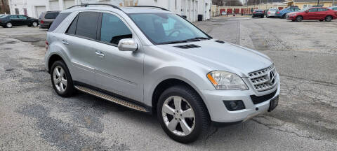 2009 Mercedes-Benz M-Class for sale at WEELZ in New Castle DE