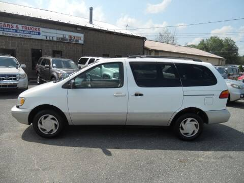 2000 Toyota Sienna for sale at All Cars and Trucks in Buena NJ