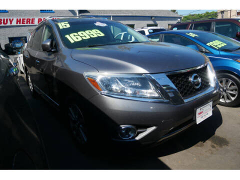 2015 Nissan Pathfinder for sale at M & R Auto Sales INC. in North Plainfield NJ