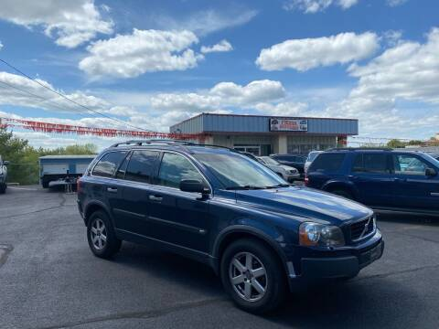 2004 Volvo XC90 for sale at FIESTA MOTORS in Hagerstown MD