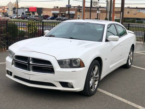 2013 Dodge Charger for sale at MAGIC AUTO SALES in Little Ferry NJ
