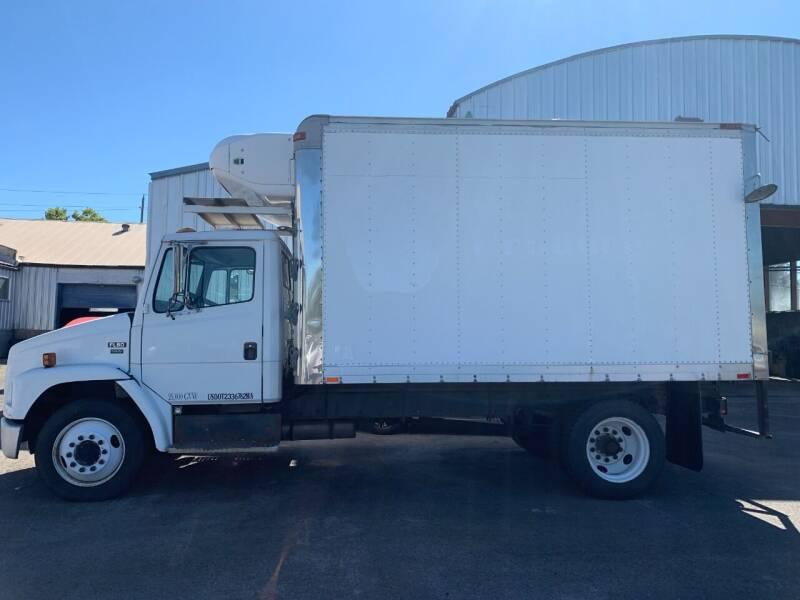 2000 Freightliner Box Truck FL60 for sale at PORTLAND AUTO SALES LLC. in Portland OR