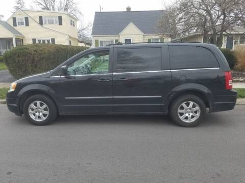 2009 Chrysler Town and Country for sale at REM Motors in Columbus OH