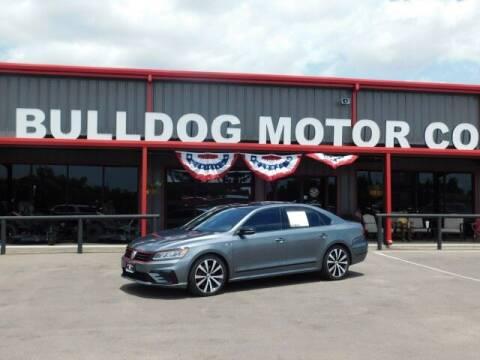 2018 Volkswagen Passat for sale at Bulldog Motor Company in Borger TX
