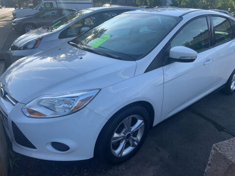2013 Ford Focus for sale at CAR CORNER RETAIL SALES in Manchester CT