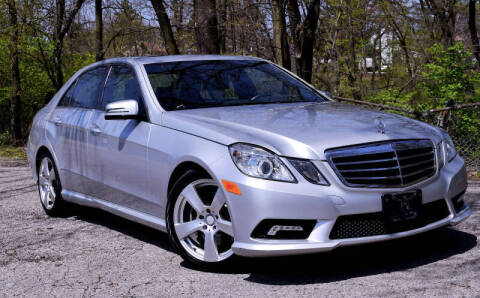 2011 Mercedes-Benz E-Class for sale at Bill Dovell Motor Car in Columbus OH