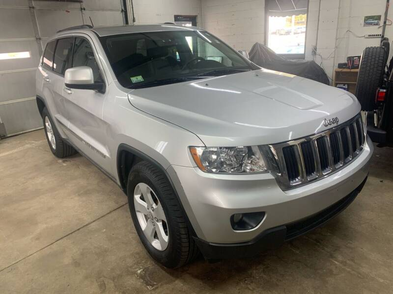 2011 Jeep Grand Cherokee for sale at QUINN'S AUTOMOTIVE in Leominster MA