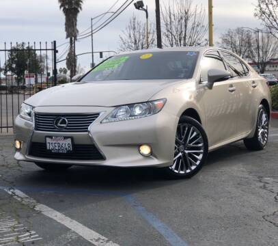 2013 Lexus ES 350 for sale at LUGO AUTO GROUP in Sacramento CA