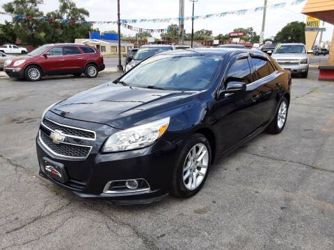 2013 Chevrolet Malibu for sale at TOP YIN MOTORS in Mount Prospect IL