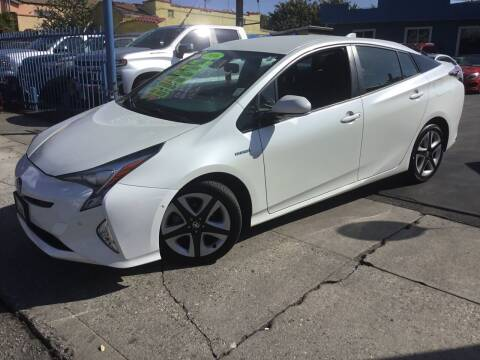 2016 Toyota Prius for sale at LA PLAYITA AUTO SALES INC in South Gate CA
