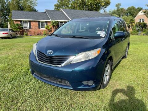 2011 Toyota Sienna for sale at County Line Car Sales Inc. in Delco NC