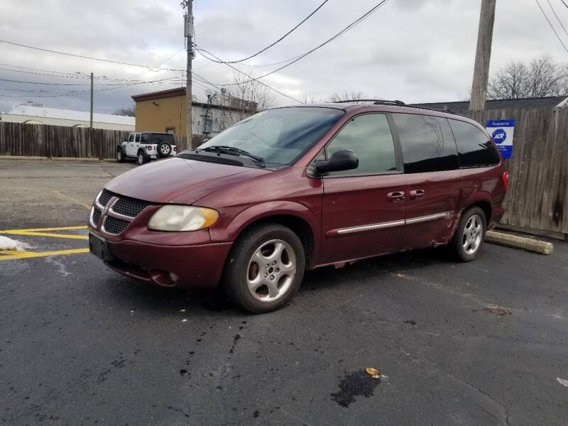 2002 Dodge Grand Caravan for sale at DALE'S AUTO INC in Mt Clemens MI