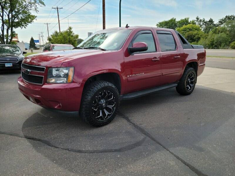 2007 Chevrolet Avalanche for sale at Premier Motors LLC in Crystal MN