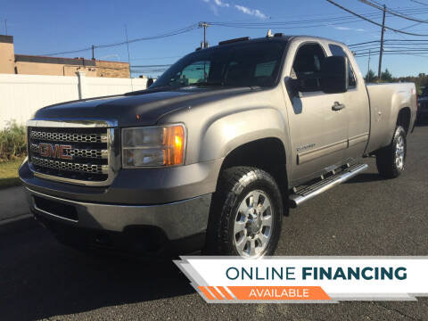 2013 GMC Sierra 2500HD for sale at New Jersey Auto Wholesale Outlet in Union Beach NJ