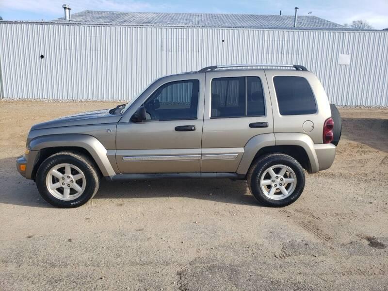 2005 Jeep Liberty for sale at Steve Winnie Auto Sales in Edmore MI