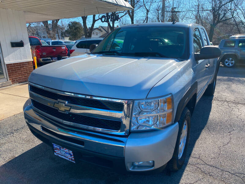 2010 Chevrolet Silverado 1500 for sale at New Wheels in Glendale Heights IL