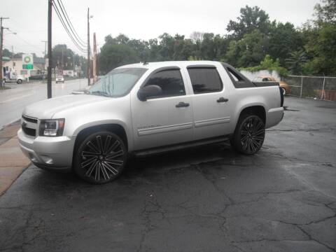 2010 Chevrolet Avalanche for sale at Collector Car Co in Zanesville OH