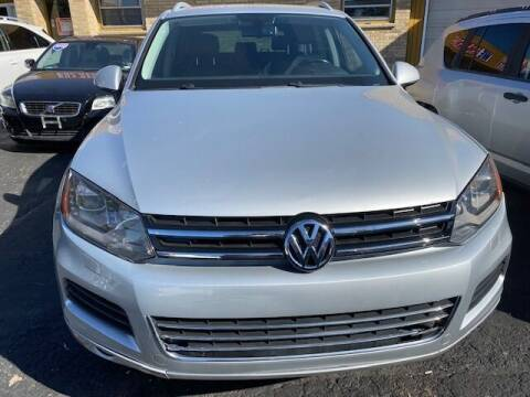 2011 Volkswagen Touareg for sale at NORTH CHICAGO MOTORS INC in North Chicago IL