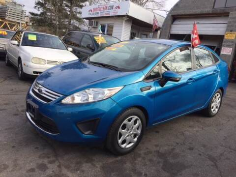 2013 Ford Fiesta for sale at Drive Deleon in Yonkers NY