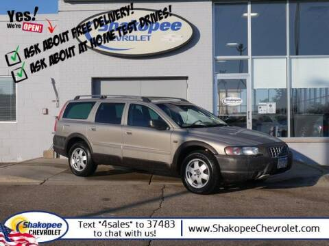 2003 Volvo XC70 for sale at SHAKOPEE CHEVROLET in Shakopee MN