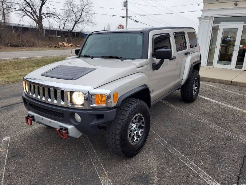 2008 HUMMER H3 for sale at Rick's R & R Wholesale, LLC in Lancaster OH