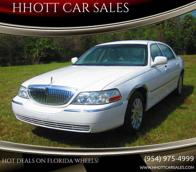 2007 Lincoln Town Car for sale at HHOTT CAR SALES in Deerfield Beach FL